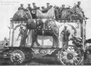 Elephant Bandwagon 1915